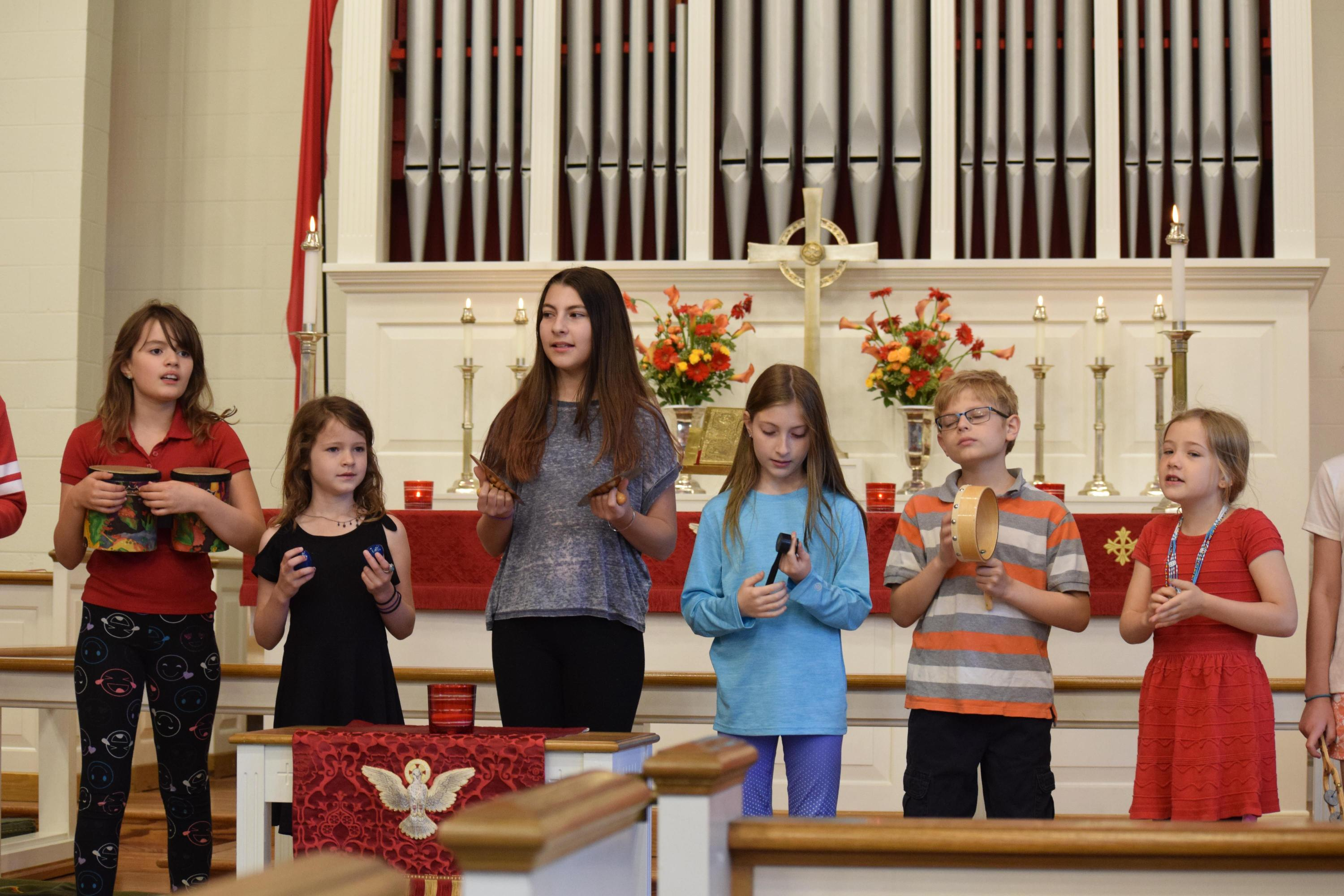 "Sunday School Students Sing ""Day By Day"""