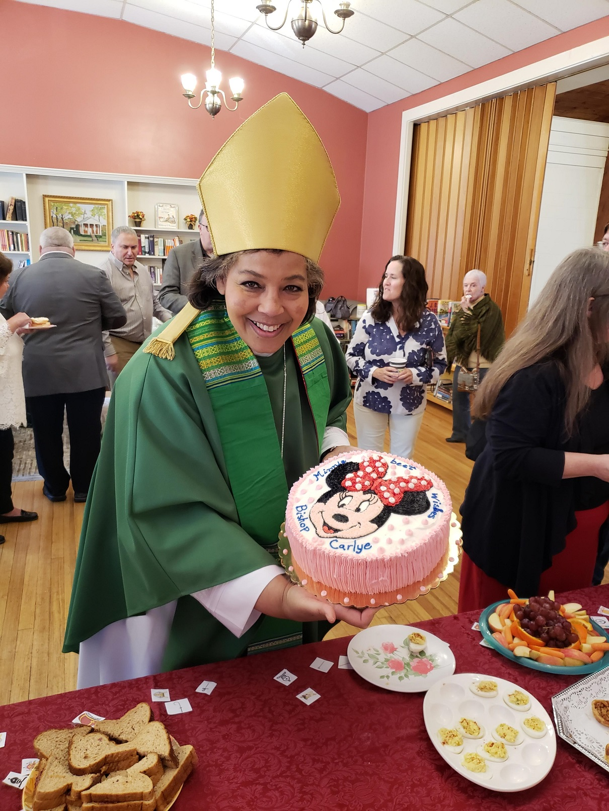 Minnie Best Wishes Bishop Carlye